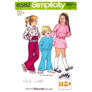 Simplicity 6582 girls sewing pattern
