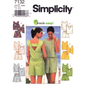 Simplicity 7132 top and shorts pattern