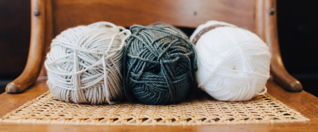 Une Trois mohair type yarn by Reynolds Deux
